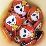 「火星にピザ屋を出す会」の缶バッジ