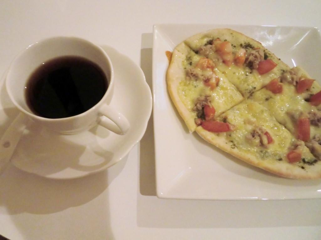 シエスタさん手作りピザ
